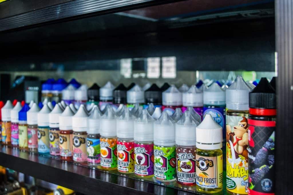 plusieurs e-liquides au CBD