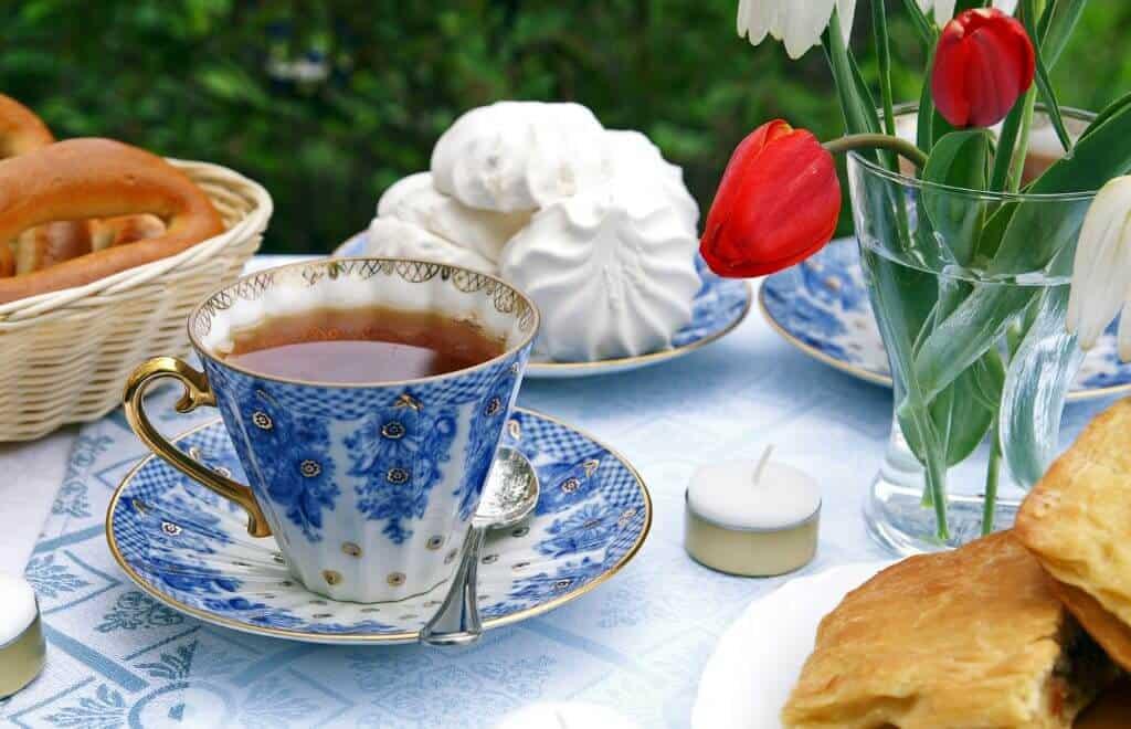 C'est l'heure du thé au CBD. Faites une pause et respiré son arôme.